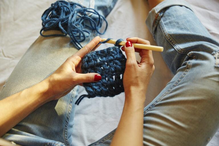 Mãos crochetano