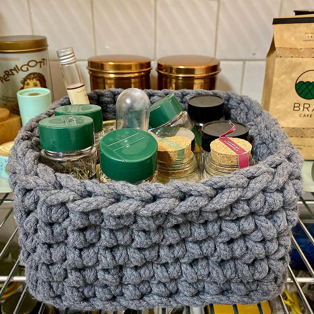 cesta de crochê para condimentos