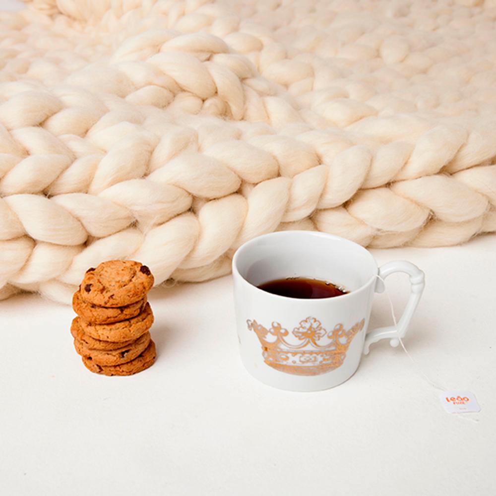 Maxi manta com café e biscoitos