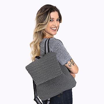 Anne Galante com mochila