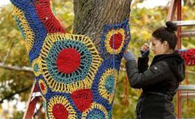 Artesã movimento Yarn Bombing
