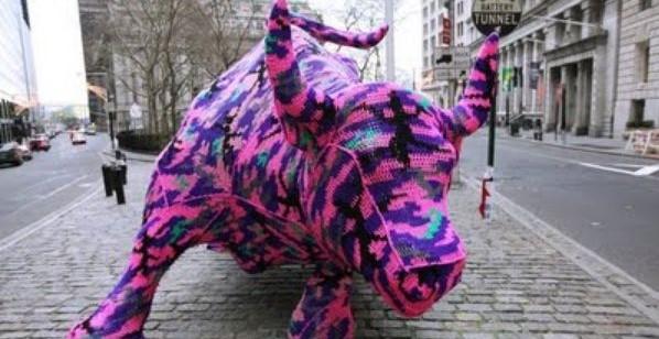 Bull em NY crochetado por Agatha Olek